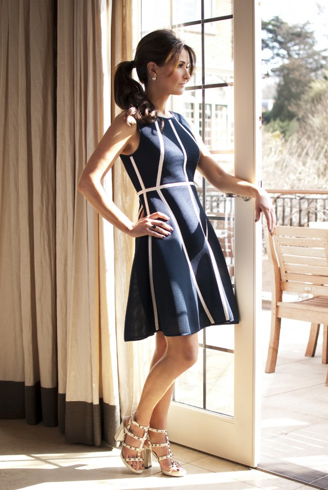 Social Bernshaw Sara Brett wears Gemma 399 bernshaw com Full Length Side